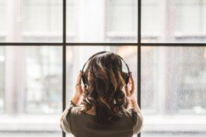 耳で情報収集!あなたに合った番組がきっと見つかる「Podcast」